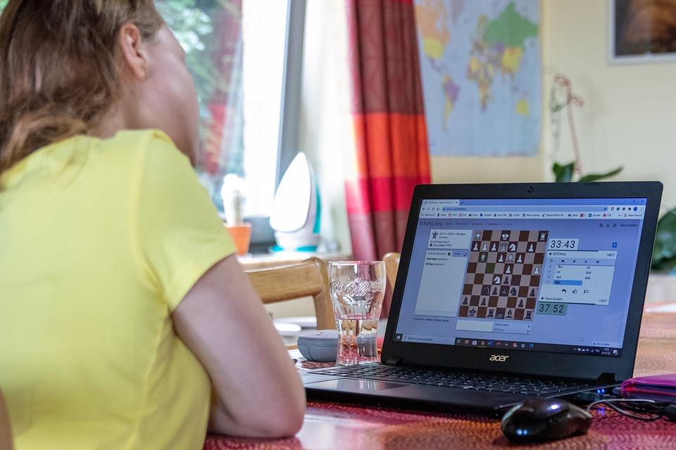 online-chess-tournament-5906378_960_720